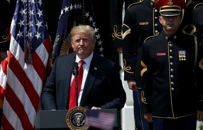 Donald Trump forgets national anthem