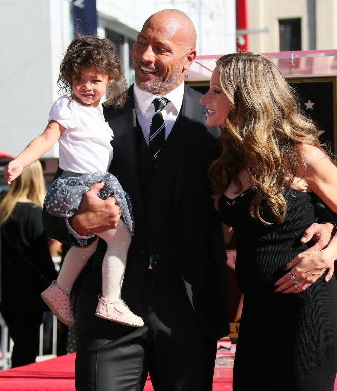 """10 Dwayne """"The Rock"""" Johnson Quotes About Family Show They're His #1  Priority"""
