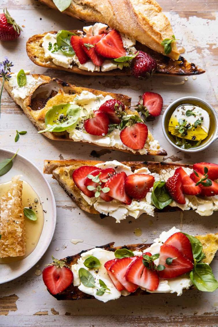 goat cheese crostini with strawberries