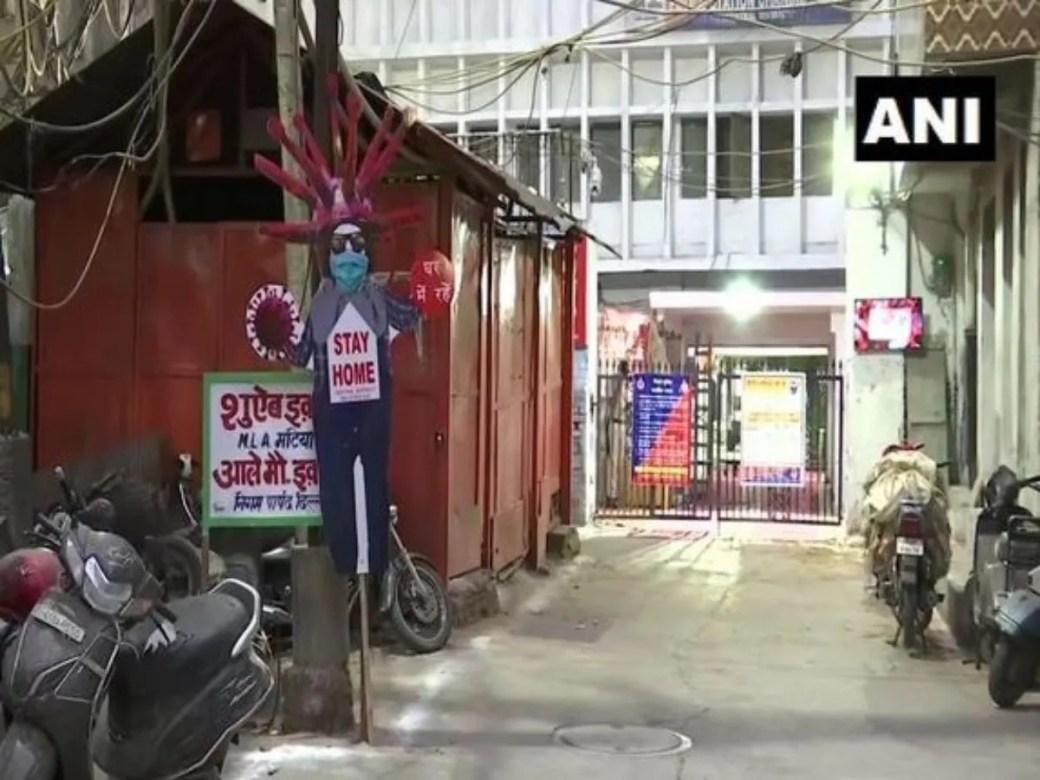 Delhi Police installs coronavirus-lookalike scarecrows to spread ...
