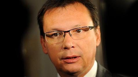 """ÖVP sieht """"keinen Grund"""" für Darabos-Rücktritt (Bild: APA/Helmut Fohringer)"""