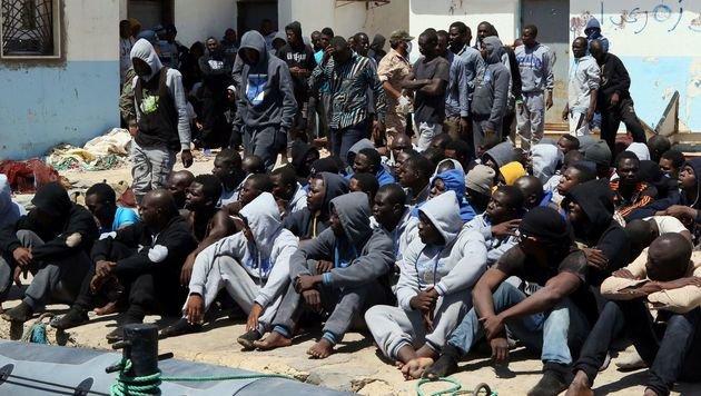 Flüchtlinge aus Libyen wollen nach Europa. (Bild: AFP)