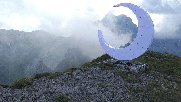 Halbmond statt Gipfelkreuz erhitzt Gemüter (Bild: twitter.com/leichtgedacht)