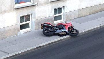 Türke fährt mit 170-PS-Bike Beamten nieder (Bild: Bernhard Schiel)