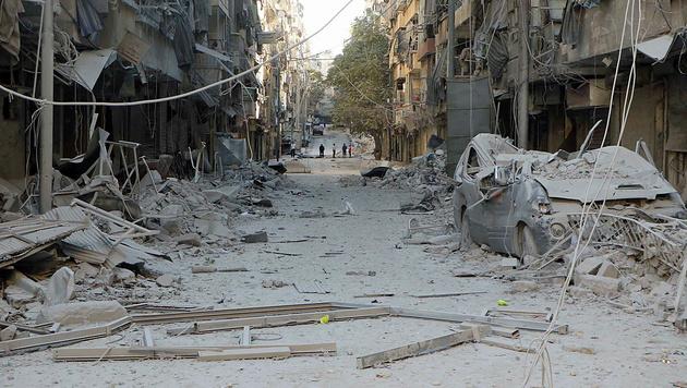 Weite Teile Aleppos sind völlig zerstört. (Bild: AP)