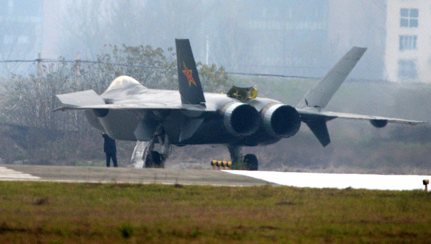 Tarnkappen-Kampfjet J-20 (Bild: APA/AFP/picturedesk.com/Kanwa News)