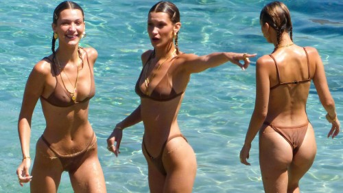 Bella-Hadid-Sexy-Bikini-Collages-7.md.jpg
