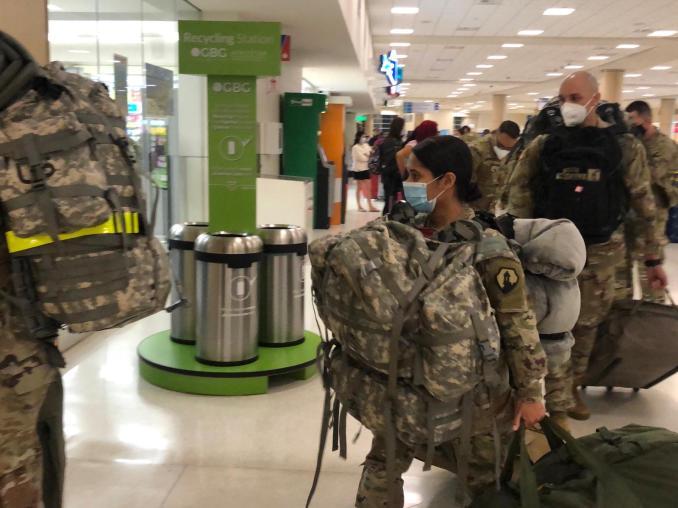 Soldados boricuas parten hacia Irak