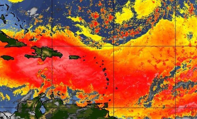 Puerto Rico continúa bajo densa nube de polvo
