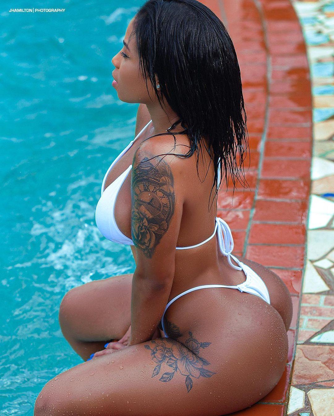morelove55-bikini.jpg