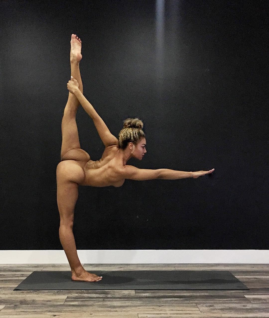 jess-taras-naked-yoga.jpg