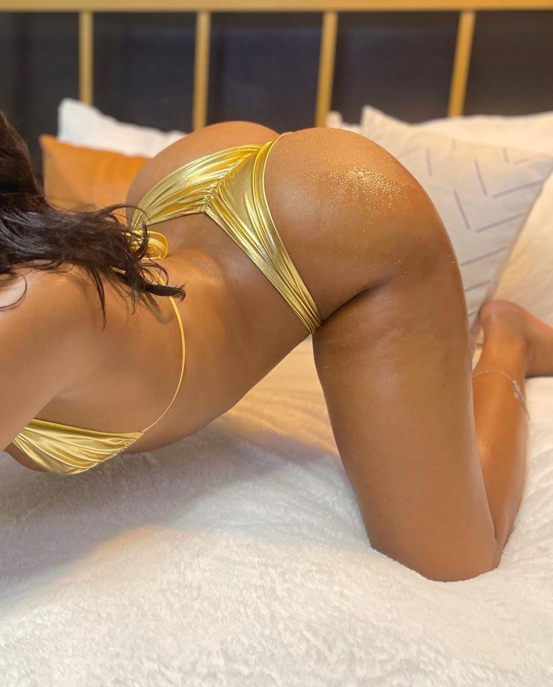 Saleema-Mansur-gold-outfit.jpg