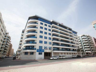 Golden Sands Hotel Apartments Book