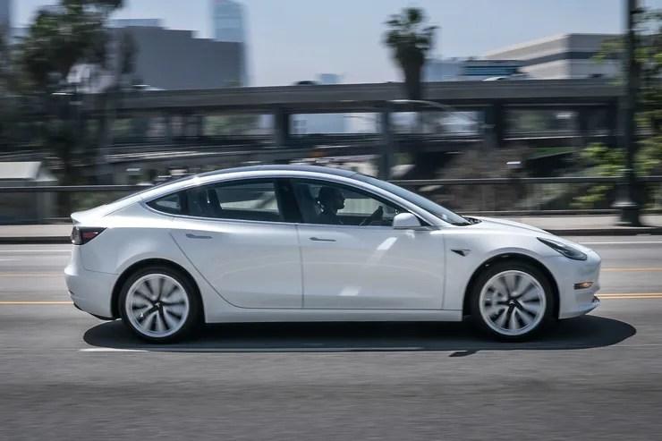 Tesla als Wohnmobil mit Party- und Camper-Modus