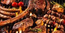 За компанията! 1.5кг апетитно плато с телешко, пилешко и свинско месо на барбекю, гриловани зеленчуци, пържени картофки и лютеничка - в Асеновград