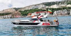 Панорамна разходка с яхта за до 12 човека край Балчик, плюс екипаж и напитки