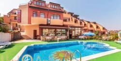 Ранни записвания за лятна почивка в Созопол! Нощувка, плюс басейн, чадър и шезлонг - на 70м от плажа