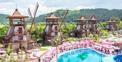 Перфектното лятно забавление край София! Вход за хидропарк с басейни, атракциони и релакс кътчета