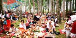 Екскурзия до Жеравна за Фестивала на фолклорната носия през Август! Нощувка в Хотел Мечта*** в Сливен, плюс транспорт