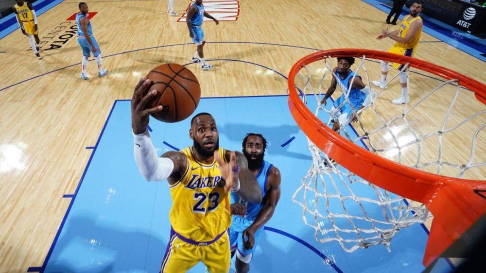 LeBron lidera y Marc suma en un nuevo triunfo de Los Lakers sobre Houston -  Eurosport