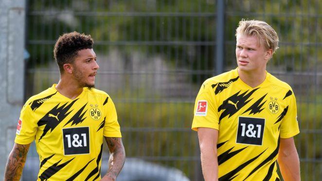 Jadon Sancho of Borussia Dortmund speaks with Erling Haaland of Borussia Dortmund during the pre-season friendly match between Borussia Dortmund and SC Paderborn on August 28, 2020 in Dortmund, Germany.