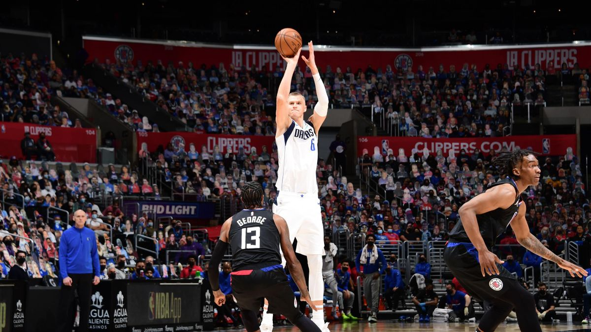 THE NBA FINED KRISTAPS PORZINGIS (DALLAS) FOR APPROACHING A STRIP CLUB-IT VIOLATES THE CORONAVIRUS PROTOCOL