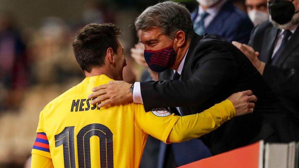 "Laporta desvela su última esperanza con Messi: ""Esperaba que jugase gratis""  - Eurosport"