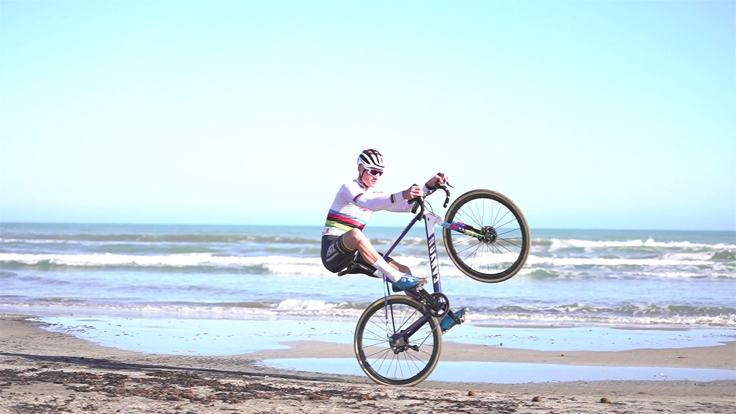 watch mathieu van der poel training on the beach ahead of cyclo cross world championships