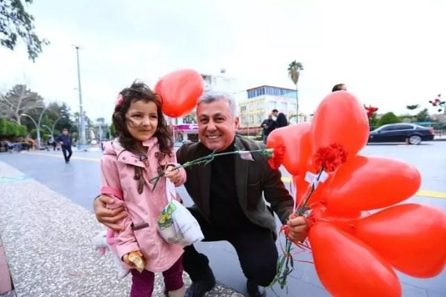Manavgat Belediyesi'nden 14 Şubat sevgililer günü kutlaması