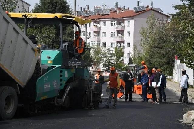 Isparta Halıkent Mahallesine sıcak asfalt