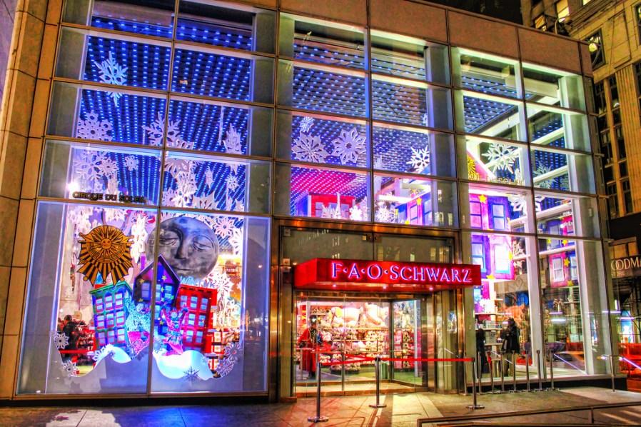 FAO Schwartz christmas window display