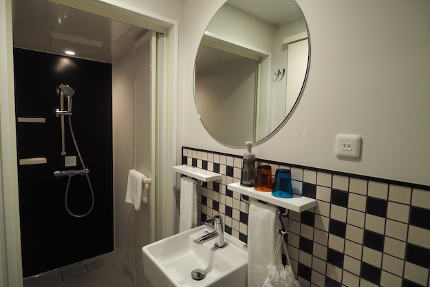 HOTEL TAVINOS 衛浴空間