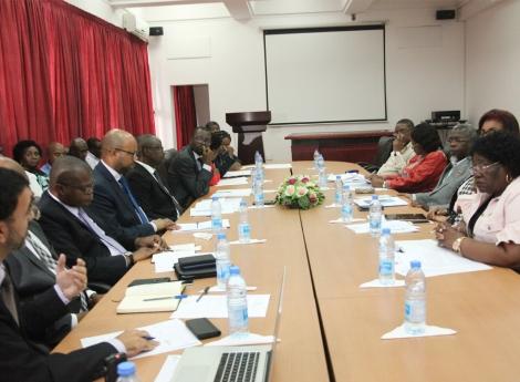 Angola institui fundo para pesquisa científica