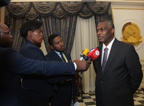 Abel Chivukuvuku volta à vida política sem alianças