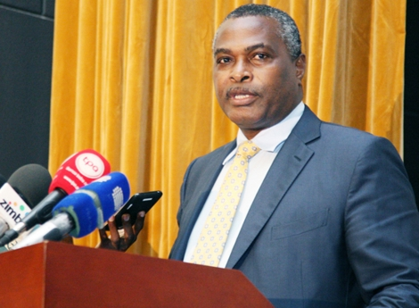 Chivukuvuku defende reformas profundas