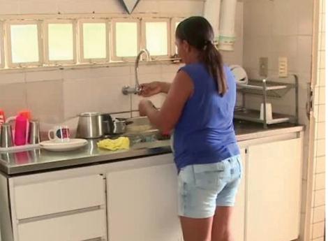 Não inscrever empregados domésticos no INSS dá multa