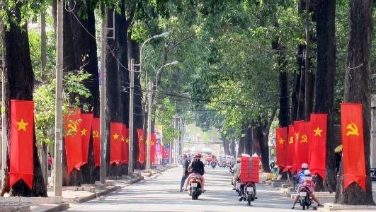 Quá khứ, đại học, nước Việt, Ấn tượng trong tuần, Kỳ Duyên, trường ĐH, khoa học chân đất