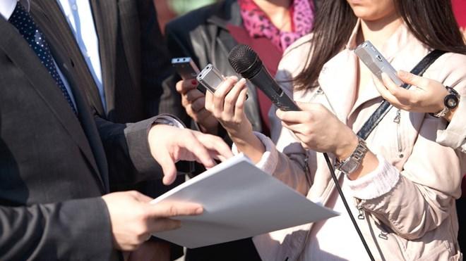 Nhà báo, truyền thông, công nghệ, mạng xã hội