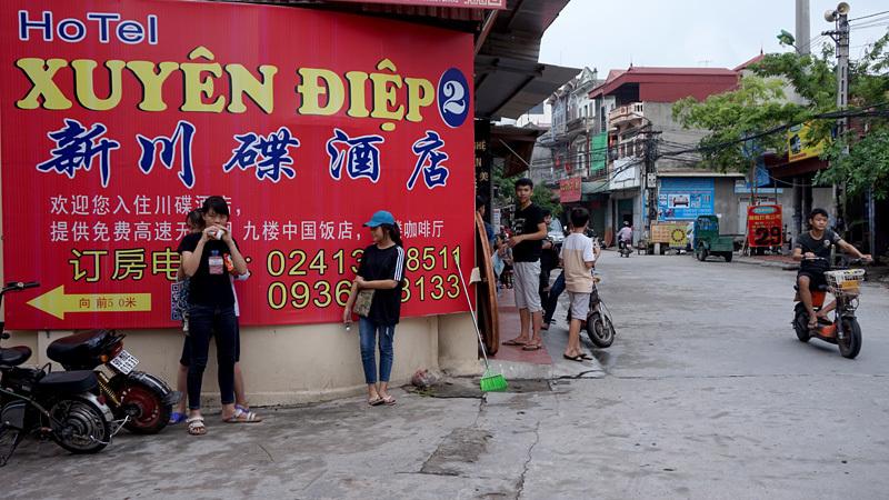 Biển hiệu tiếng Trung, phố Tàu, Từ Sơn, Đồng Kỵ, Phù Khê, Bắc Ninh