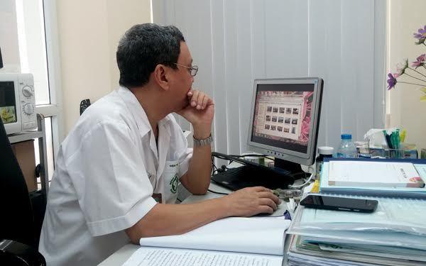 Bác sĩ sống tốt sau 5 năm ung thư phổi di căn khắp người