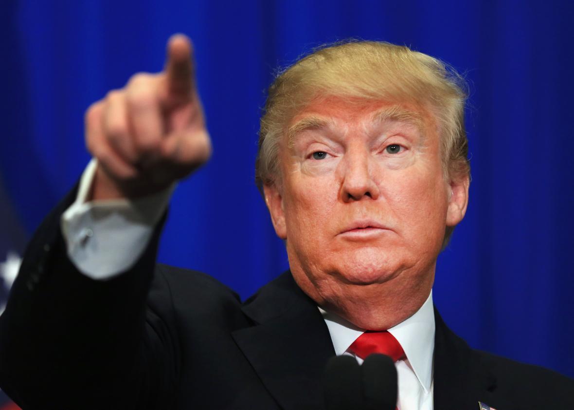 Đảng Dân chủ hụt hơi 'ngáng đường' Donald Trump