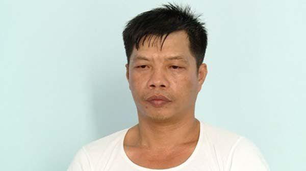 Một nghi phạm dùng dao tự sát trong trại tạm giam