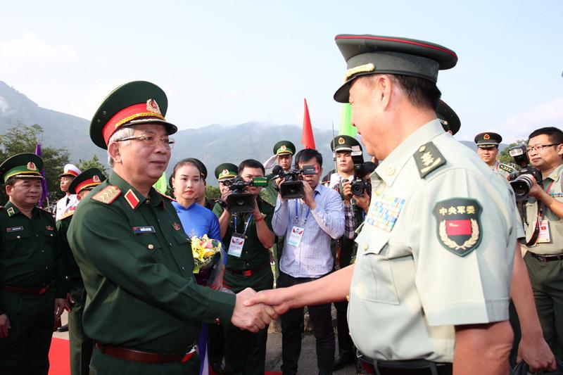 https://i1.wp.com/imgs.vietnamnet.vn/Images/2017/09/23/09/20170923092843-2.jpg
