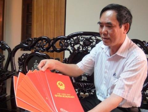Cầm cố sổ đỏ, Vườn QG Phong Nha - Kẻ Bàng, Đoàn Văn Vươn, Luật đất đai, giải tỏa đất đai, công chức, ăn cắp giờ làm