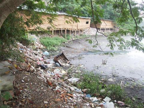 ô nhiễm môi trường, Hà Nội, khói bụi, ao hồ, tự hào dân tộc, phát triển kinh tế