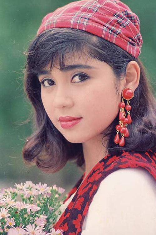 Y Phụng, Diễm Huwowgn, Việt Trinh, sóng gió tình trường