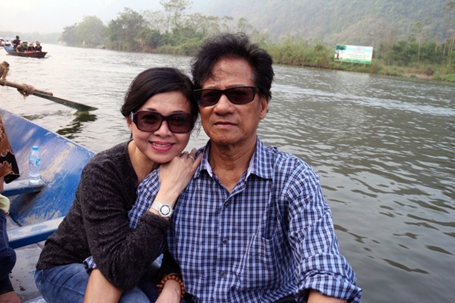 Chế Linh, vợ, trẻ đẹp