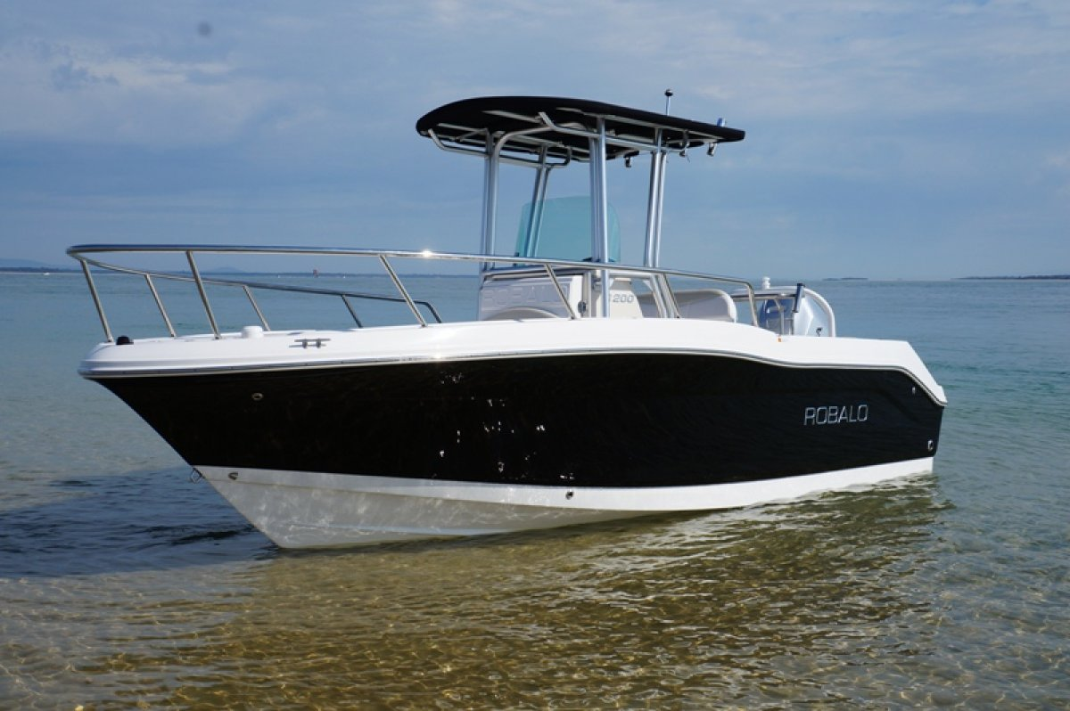 New Robalo R200 Centre Console For Sale Boats For Sale Yachthub