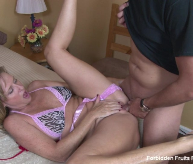 Jodi West Tries On Some New Clothes She Got To Wear For Her Husband And Shows Her Step Son And He Gets So Horny They Have To Fuck From Memoirs Of Bad