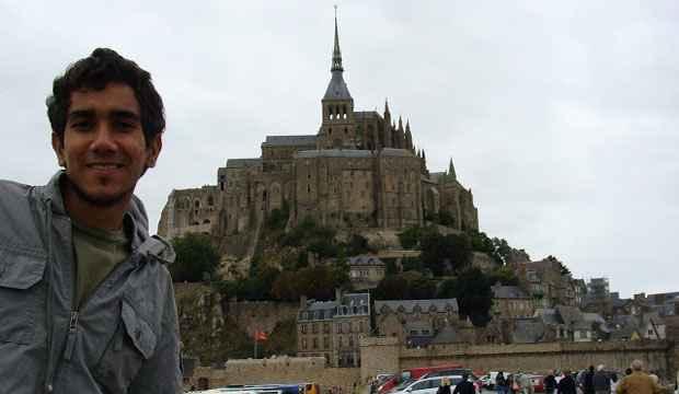 Michelson Santos passou pela Normandia, antes de se fixar em Paris. Foto: Arquivo Pessoal/Divulgação